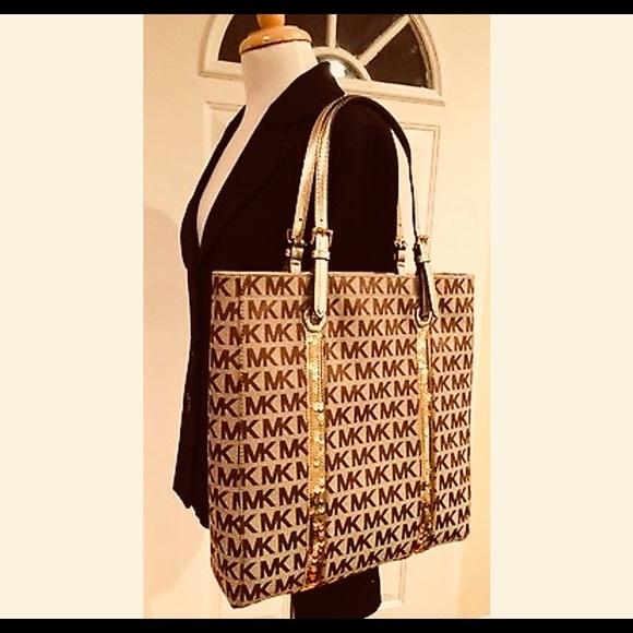cf7c507cc59c ⚡️NWT Michael Kors Ladies handbag  tote bag